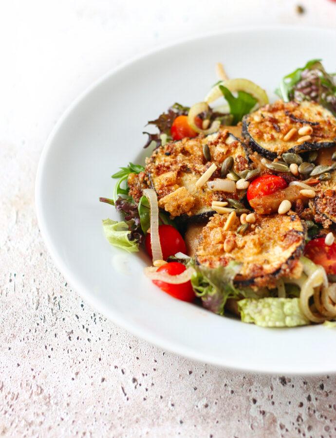 Koolhydraatarme salade met crispy aubergine